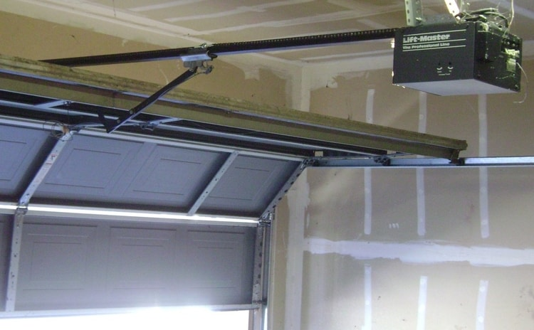 How To Secure A Garage Door From Break Ins Security Latest